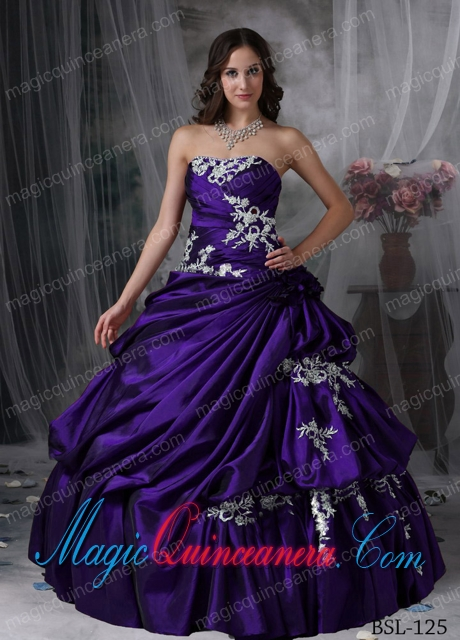 A Beautiful Ball Gown Strapless With Taffeta Appliques Discount ...