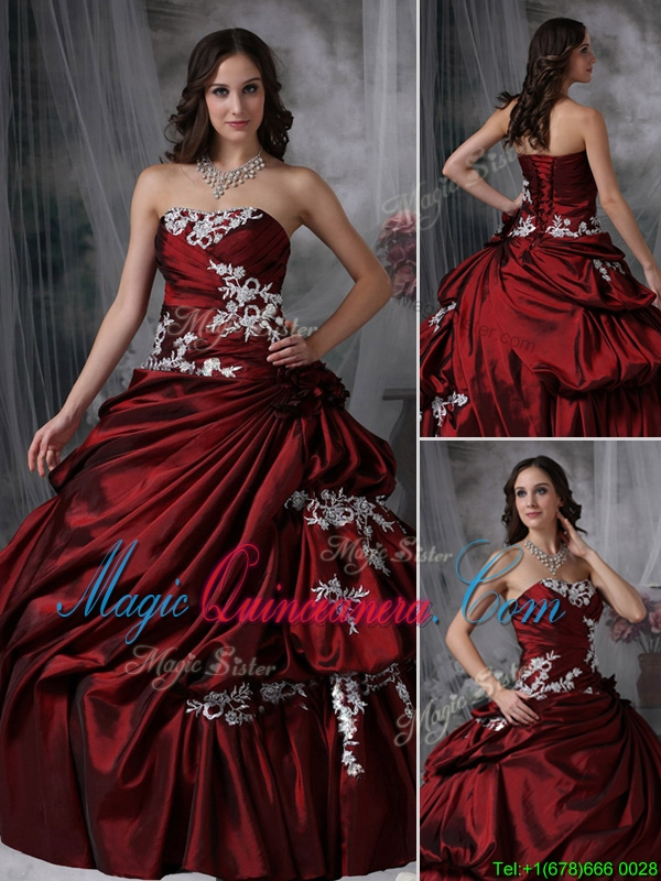 Elegant Ball Gown Strapless Appliques Quinceanera Gowns
