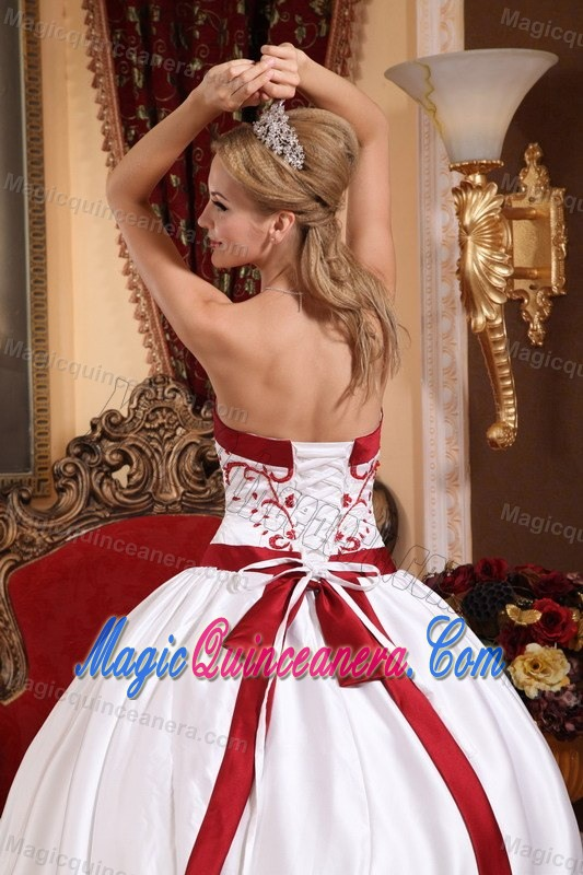 White and Red Sweet Sixteen Quinceanera Dresses with Embroidery
