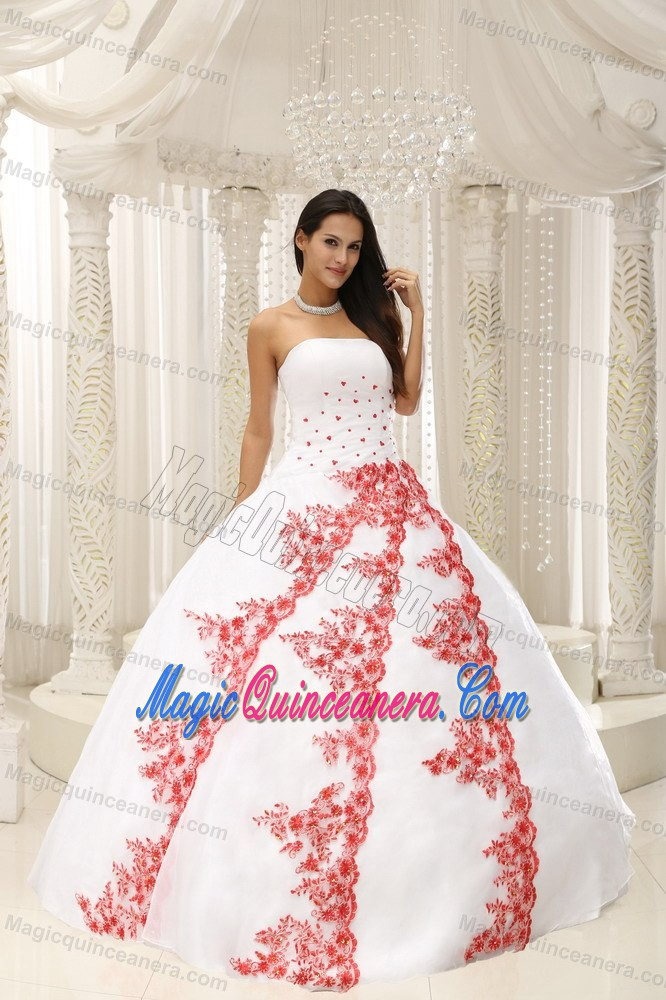 White Sweet 16 Dresses by Taffeta and Organza with Red Appliques ...