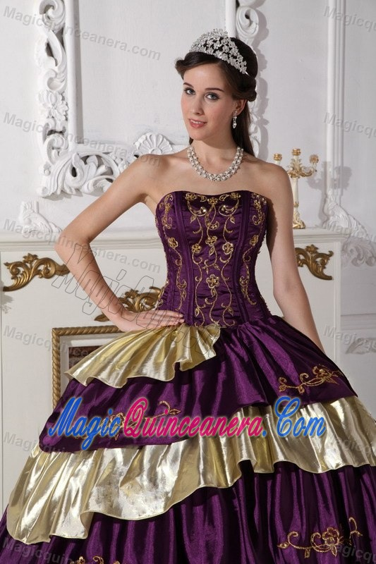 High-Class Purple and Gold Taffeta Embroidery Sweet 16 Dresses on ...