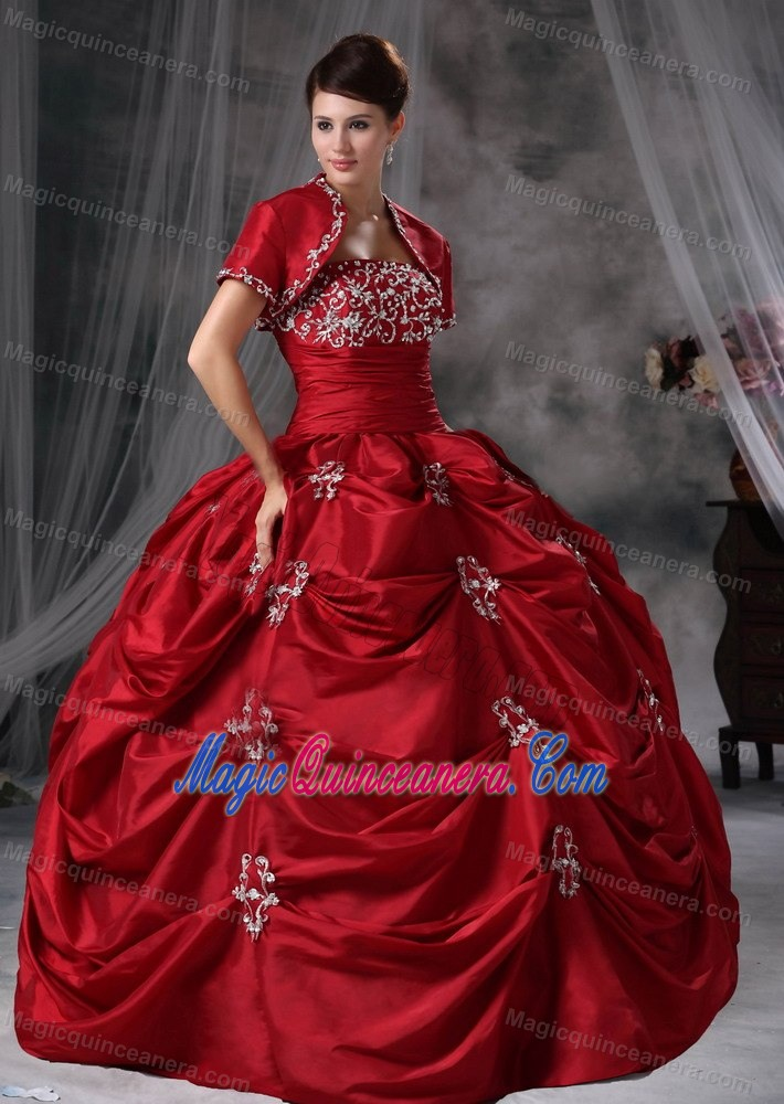 Cheap Pick Ups Red Appliqued Quinceanera Gown about 200
