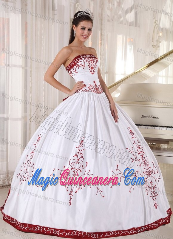 White Ball Gown Dresses for Quince with Wine Red Embroidery