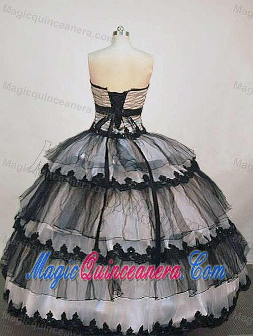 Black and White Cake-like Organza Sweet 15 Dress in London