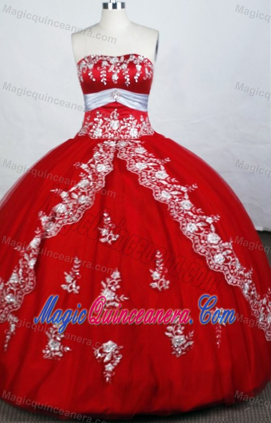 Embroidery Red Beading 2014 Quinceanera Dresses with White Belt