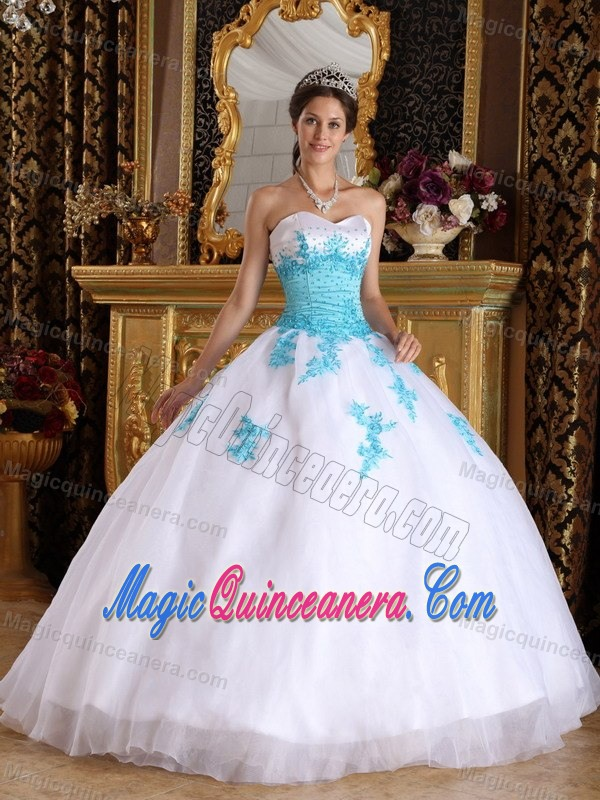 Blue Appliques Accent Sweetheart White Sweet 15 Dresses Organza ...