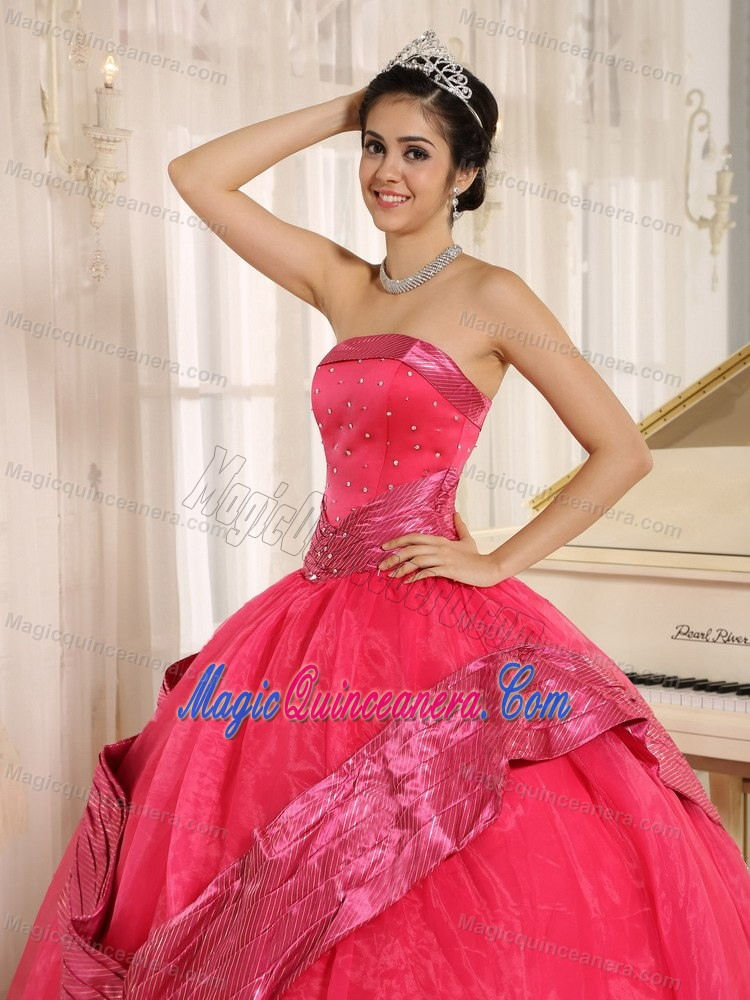 Coral Red Beaded Organza Dresses For Quinceanera in Farnborough