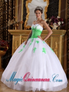 2014 Ball Gown Sweetheart Appliques Quinceanera Dress in White and Spring Green