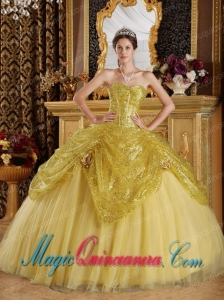 Gold Ball Gown Sweetheart Gorgeous Sequined and Tulle Quinceanera Dress with Handle Flowers
