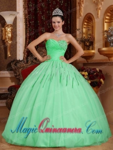 Apple Green Ball Gown Sweetheart Tulle Fashion Quinceanera Dress with Beading