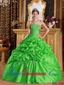 Green Ball Gown Strapless Floor-length Pick-ups Taffeta Popular Quinceanera Dresses