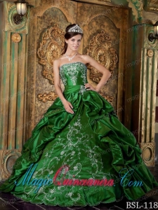 Green Ball Gown Strapless Vintage Taffeta Embroidery Quinceanera Dress