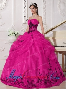 Vintage Strapless Coral Red and Black Ball Gown Organza Appliques Sweet 15 Dresses