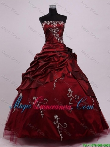 Elegant Strapless Ball Gown Wine Red Sweet 16 Dresses with Appliques