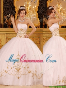 Beautiful White Strapless Quinceanera Dresses with Appliques