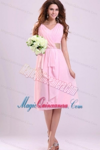 Baby Pink Empire V-neck Chiffon Dama Dresses with Ruches