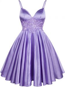 Graceful Knee Length Lilac Quinceanera Court Dresses Elastic Woven Satin Sleeveless Lace