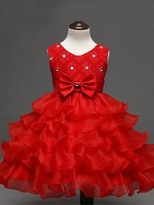 Knee Length Zipper Little Girl Pageant Gowns Red for Wedding Party with Lace and Ruffled Layers and Bowknot