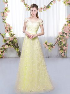 Stunning Cap Sleeves Floor Length Appliques Lace Up Vestidos de Damas with Light Yellow