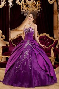 Stylish Purple Taffeta Appliqued Sweet 15/16 Birthday Dresses