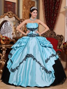 Baby Blue Quinceanera Gown with Black Appliques in Guastatoya