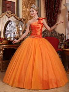 One Shoulder Ball Gown Beaded Dress for Quince with Bowknot