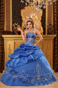 Blue Strapless Beaded Organza Embroidery Sweet 15 Dresses in Bristol