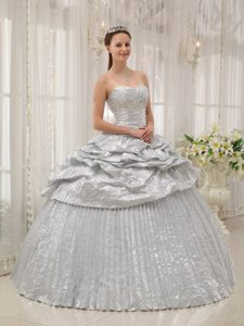 Discount Silver Dresses for Quince Sweetheart with Pick-ups and Pleat