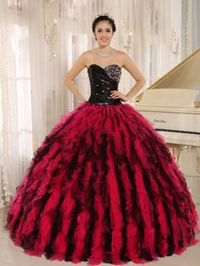 Black and Red Ball Gown Sweetheart Sweet 15 Dresses with Beading