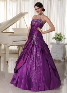Purple Taffeta and Organza Quinceanera Dresses with Embroidery