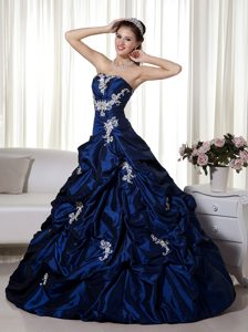 Sweetheart Taffeta Navy Blue Quinceanera Dress with Appliques and Beading