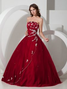 Strapless Wine Red Quinceanera Dress in Taffeta and Tulle with Embroidery
