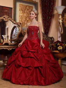 Wine Red Sweet Sixteen Dresses with Beaded Decorate Bodice and Pick Ups