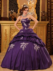 Trendy Purple Sweetheart Taffeta Dresses of 15 with Appliques