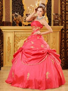 Fabulous Red Taffeta Beading Dress for Quinceaneras with Appliques