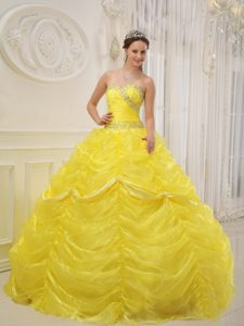 Stylish Yellow Sweetheart Organza Beading Dress for Dresses of Quince