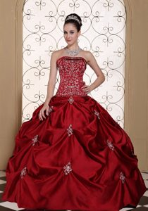 Embroidery and Pick ups Accent Red Strapless Quinceanera Gowns
