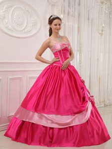 Hoy Pink Quinceanera Dress with Appliques Flowers in Recife Brazil