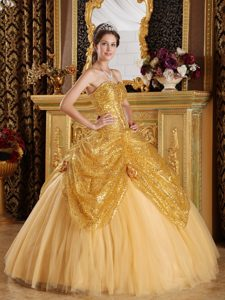 Plus Size Gold Sequins Dress for Quince with Handmade Flowers