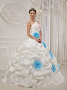 One Shoulder Beaded White Quinces Dresses with Blue Flowers