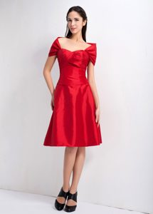 Red Off the Shoulder Knee-length Taffeta Dresses for Damas in Cambridge