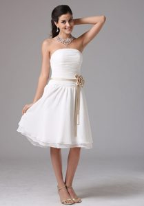 White Strapless Chiffon with Sash Dresses for Damas in Wokingham