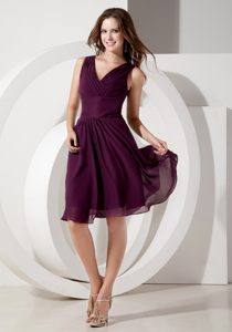 Purple V-neck Knee-length Empire Chiffon Dama Dresses in Cambridge