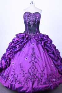 Embroidery Pick-ups Purple Sweetheart Quinceanera Dress