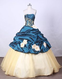 Two-toned Appliques Handle Flower Quinceanera Dress Beaded