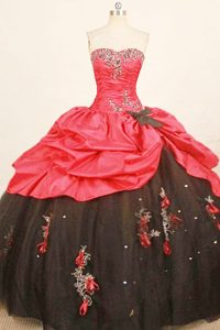 Taffeta Black and Red sweetheart Appliques Quince Dresses