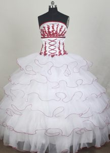Tiered Organza White Ball Gown Red Appliques Quinceanera Dresses