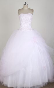 Simple White Layered Organza Quinceanera Dresses with Pink Appliques