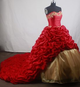 Embroidery Red Taffeta Beaded Quinceanera Dresses with Train