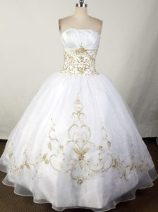 White Strapless Appliques and Beading Quinceanera Dresses Gowns